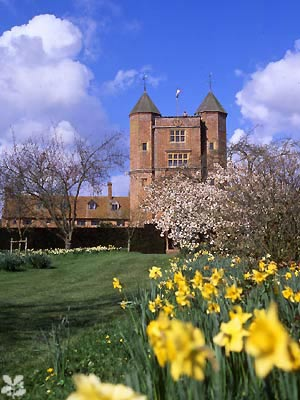 W-sissinghurst-orchard_towers-gallery_picture[1]